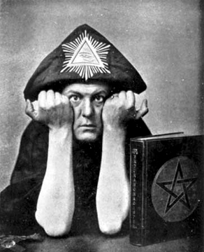 Aleister_Crowley_in_Hat