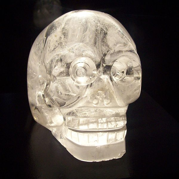 600px-Crystal_skull_in_Musée_du_quai_Branly,_Paris